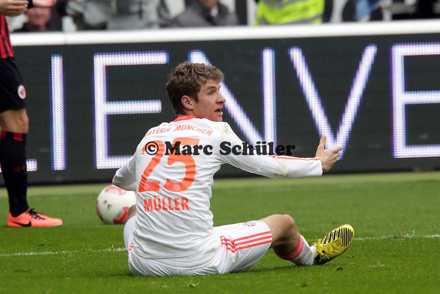 Thomas Mueller (Bayern) fordert Elfmeter und bekommt ihn