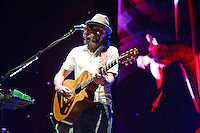 WEST PALM BEACH - AUGUST 15:  Jason Mraz performs at the Cruzan Amphitheatre on August 15, 2012 in West Palm Beach, Florida. © mpi04/MediaPunch Inc