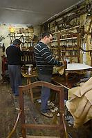 Europe/France/Aquitaine/24/Dordogne/Périgueux: Artisanat: Atelier de sièges Moreau - Jean-Pierre Moreau artisan menuisier chaisier