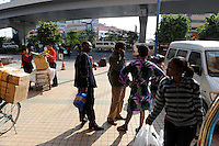 "Asien CHINA , Provinz Guangdong , Metropole Guangzhou (Kanton) , Haendler aus Afrika kaufen in Grosshandels-/Exportmaerkten Textilien fuer Ihre Laeden in Afrika ein  | .Asia CHINA Guangzhou , african trader buy and ship textiles to africa.  -   global trade trading economy .| [ copyright (c) Joerg Boethling / agenda , Veroeffentlichung nur gegen Honorar und Belegexemplar an / publication only with royalties and copy to:  agenda PG   Rothestr. 66   Germany D-22765 Hamburg   ph. ++49 40 391 907 14   e-mail: boethling@agenda-fototext.de   www.agenda-fototext.de   Bank: Hamburger Sparkasse  BLZ 200 505 50  Kto. 1281 120 178   IBAN: DE96 2005 0550 1281 1201 78   BIC: ""HASPDEHH"" ,  WEITERE MOTIVE ZU DIESEM THEMA SIND VORHANDEN!! MORE PICTURES ON THIS SUBJECT AVAILABLE!! ] [#0,26,121#]"