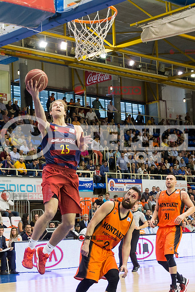 FC Barcelona Lassa's Petteri Koponen Montakit Fuenlabrada's Marko Popovic during the match of Endesa ACB League between Fuenlabrada Montakit and FC Barcelona Lassa at Fernando Martin Stadium in fuelnabrada,  Madrid, Spain. October 30, 2016. (ALTERPHOTOS/Rodrigo Jimenez) /NORTEPHOTO.COM