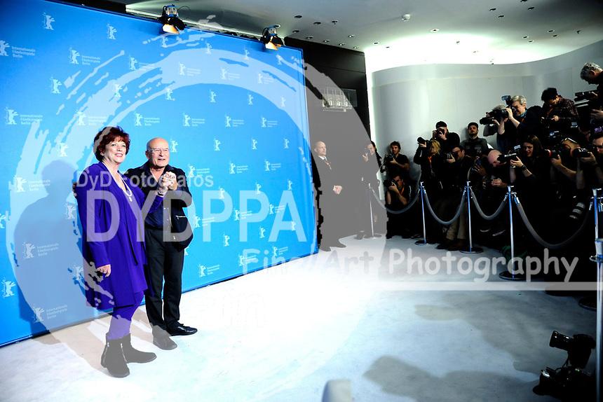 Regina Ziegler und Volker Schlöndorff beim Photocall zu 'Rückkehr nach Montauk / Return To Montauk' auf der Berlinale 2017 / 67. Internationale Filmfestspiele Berlin im Grand Hyatt Hotel. Berlin, 15.02.2017
