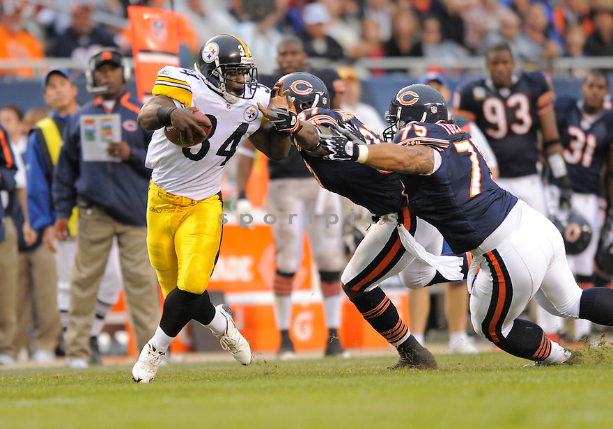 RASHARD MENDENHALL,of the Pittsburgh Steelers , in action during the Steelers  game against the Chicago Bears on September 20, 2009 in Chicago, IL.  The Bears beat the Steelers 14-7.