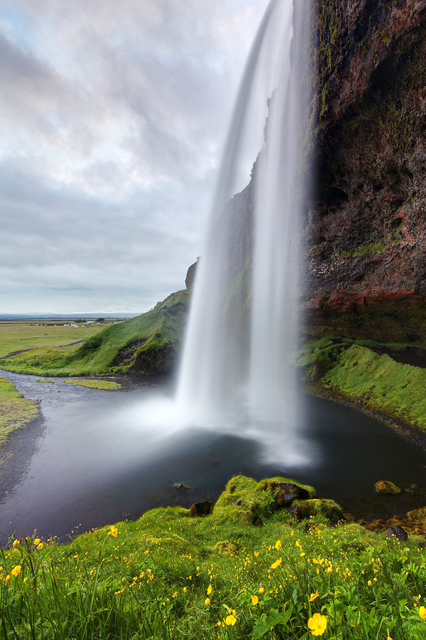 Seljalandsfoss plunge waterfall, South Region, Iceland