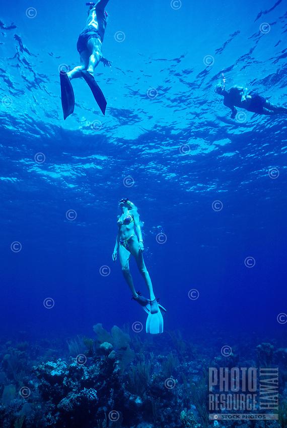 Women snorkling near Captain Cook monuent, Kealakekua Bay