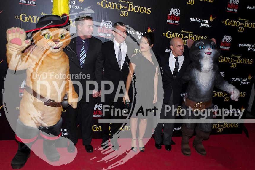 23/11/2011. Madrid. Spain.. Callao Cinema. ´The Cat on Boots´.´El gato con botas´ . Actors Antonio banderas and actress Salma Hayek attends the photographers at premiere. (c) Marta Gonzalez / D y D Fotografos