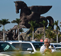 HALLANDALE BEACH, FL - JAN 28: A fan watching the races during Pegasus World Cup Invitational Day at Gulfstream Park Race Course on January 28, 2017 in Hallandale Beach, Florida. (Photo by Doug DeFelice/Eclipse Sportswire/Getty Images)