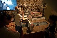 Il plastico del castello visconteo di Trezzo..A tour guide explains the Visconti castle through a plastic