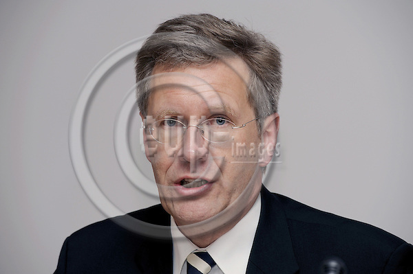 Brussels-Belgium - 03 December 2008 -- Christian WULFF, Prime Minister of Lower Saxony (Niedersachsen / Germany), during a press-conference -- Photo: Horst Wagner / eup-images