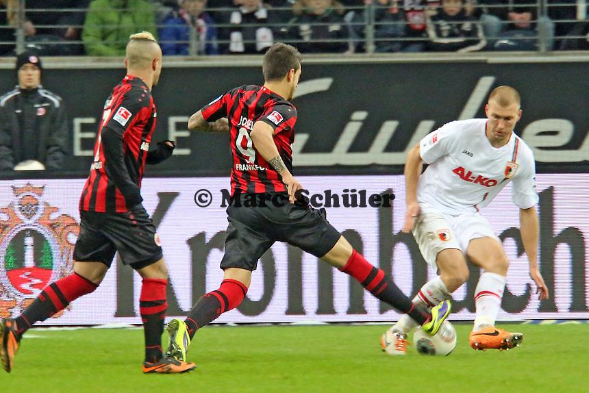 Joselu (Eintracht) laeuft sich fest - Eintracht Frankfurt vs. FC Augsburg