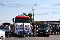 PAULINIA, SP, 2.05.2018: GREVE-SP - Movimentação de caminhoeiros em greve em frenta a refinaria da Replan em Paulínia, interior de São Paulo, neste sábado (26). (Foto: Luciano Claudino/Codigo19)