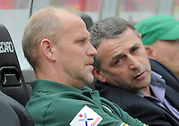 FUSSBALL   1. BUNDESLIGA  SAISON 2011/2012   6. Spieltag 1 FC Nuernberg - SV Werder Bremen         17.09.2011 Trainer Thomas Schaaf , Manager Klaus Allofs (V. LI., SV Werder Bremen)