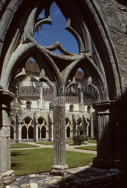 Europe/France/Centre/18/Cher/Noirlac : Abbaye de Noirlac construite vers 1150 par un petit groupe de moines venus de l'Abbaye de Clairvaux (Bourgogne) [Non destiné à un usage publicitaire - Not intended for an advertising use]