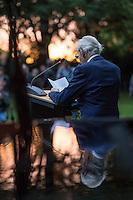 """Unter dem Titel """"Mare Manuschenge – Unseren Menschen"""" wurde am Dienstag den 2. August 2016 in Berlin am Mahnmal fuer die Ermordeten Sinti und Roma der letzen 1944 in Auschwitz ermordeten Sinti und Roma gadacht.<br /> Im Bild: Leon """"Henry"""" Schwarzbaum, er wurde in Auschwitz als juedischer Haeftling Zeuge als SS-Angehoerige in der Nacht auf den 3. August 1944 die fast 3.000 verbliebenen Sinti und Roma ermordeten.<br /> 2.8.2016, Berlin<br /> Copyright: Christian-Ditsch.de<br /> [Inhaltsveraendernde Manipulation des Fotos nur nach ausdruecklicher Genehmigung des Fotografen. Vereinbarungen ueber Abtretung von Persoenlichkeitsrechten/Model Release der abgebildeten Person/Personen liegen nicht vor. NO MODEL RELEASE! Nur fuer Redaktionelle Zwecke. Don't publish without copyright Christian-Ditsch.de, Veroeffentlichung nur mit Fotografennennung, sowie gegen Honorar, MwSt. und Beleg. Konto: I N G - D i B a, IBAN DE58500105175400192269, BIC INGDDEFFXXX, Kontakt: post@christian-ditsch.de<br /> Bei der Bearbeitung der Dateiinformationen darf die Urheberkennzeichnung in den EXIF- und  IPTC-Daten nicht entfernt werden, diese sind in digitalen Medien nach §95c UrhG rechtlich geschuetzt. Der Urhebervermerk wird gemaess §13 UrhG verlangt.]"""