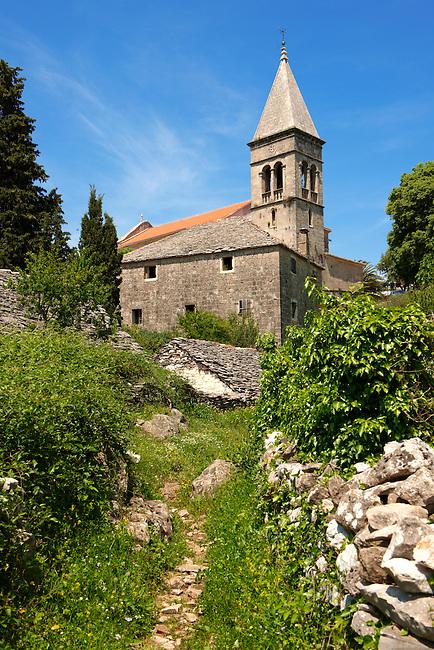 Romanesque chapel, ?krip, Bra? island, Croatia