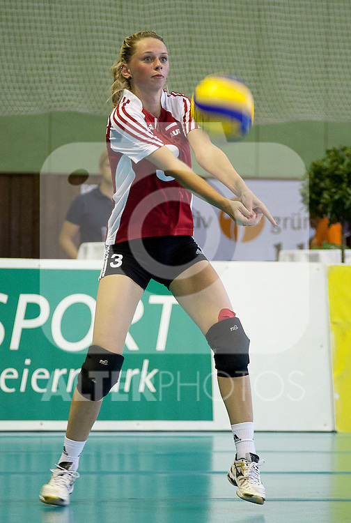 02.09.2011, ASKÖ-Halle, Graz, AUT, Volleyball Olympia-Qualifikation, AUT vs POR, im Bild Tamina Huber (AUT), EXPA Pictures © 2011, PhotoCredit: EXPA/ Erwin Scheriau