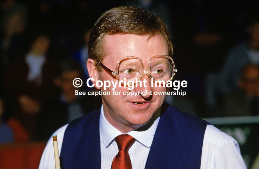 Dennis Taylor, N Ireland, professional snooker player, Irish Masters, Goffs, Rep of Ireland, 198503000032a..Copyright Image from Victor Patterson, 54 Dorchester Park, Belfast, UK, BT9 6RJ..Tel: +44 28 9066 1296.Mob: +44 7802 353836.Voicemail +44 20 8816 7153.Skype: victorpattersonbelfast.Email: victorpatterson@mac.com.Email: victorpatterson@ireland.com (back-up)..IMPORTANT: If you wish to use this image or any other of my images please go to www.victorpatterson.com and click on the Terms & Conditions. Then contact me by email or phone with the reference number(s) of the image(s) concerned.