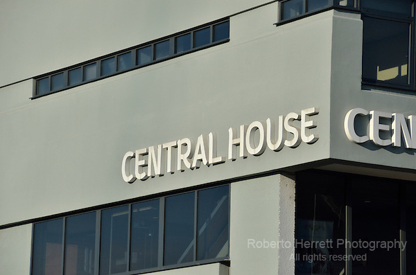 Central House serviced offices in Ballards Lane, Finchley, London, UK.