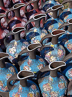 Töpferwaren beim Rikoti-Pass, Imeretien - Imereti;, Georgien, Europa<br /> pottery near Rikot-Pass,  Inereti,  Georgia, Europe