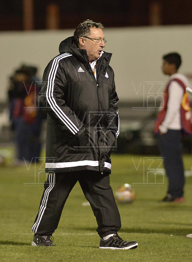 TUNJA -COLOMBIA, 13-09-2015. Ruben Israel técnico de Millonarios durante partido contra de Boyacá Chicó por la fecha 12 Liga Àguila II 2015 jugado en el estadio La Independencia en Tunja./ Ruben Israel coach of Millonarios during match against Boyaca Chico for the 12th date of Aguila League II 2015 played at La Independencia stadium in Tunja. Photo: VizzorImage / Gabriel Aponte / Staff