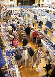 Sentinel/Dan Irving.Shoppers pack into the Civic Center on a rainy Friday afternoon to check out the Dutch Marktplaats, a collection of shopping booths selling arts, crafts, and other Dutch-themed merchandise..(5/12/06)
