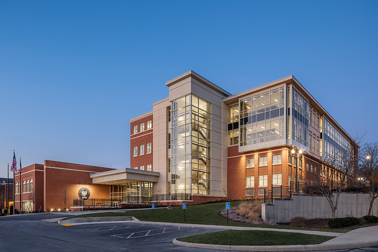 Delaware County Courthouse   Sillings Architects