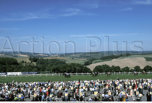 Race action from the Marchpole Cup Handicap at Glorious Goodwood, 990727. Photo: Glyn Kirk/Action Plus...1999.tuesday.horse racing.racegoers.venue.flat .equestrian sports