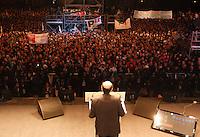 NAPOLI, 21/02/2013 COMIZIO ELETTORALE IN PIAZZA DEL PLEBISCITO DI PIERLUIGI BERSANI  CANDIDATO PREMIER CENTROSINISTRA ELEZIONI POLITICHE 2013 . .NELLA FOTO  .FOTO CIRO DE LUCA