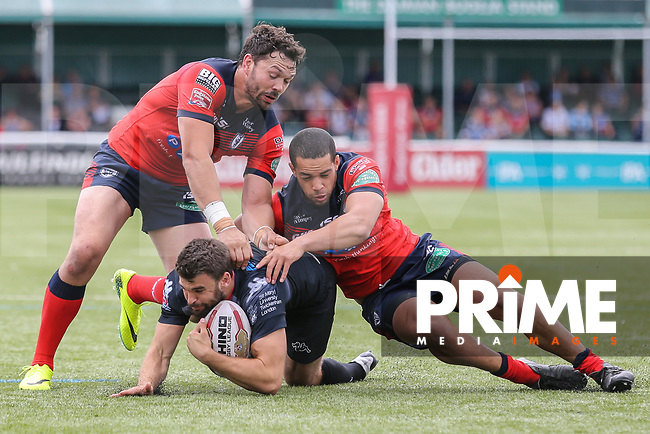Match action during the Kingstone Press Championship match between London Broncos and Featherstone Rovers at Castle Bar , West Ealing , England  on 25 June 2017. Photo by David Horn.