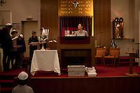 Francia, Parigi, Delphine Horvilleur, rabbino donna del MJLF (Movimento ebraico liberale di Francia - Mouvement Juif Liberal Français) nella sinagoga di Beaugrenelle