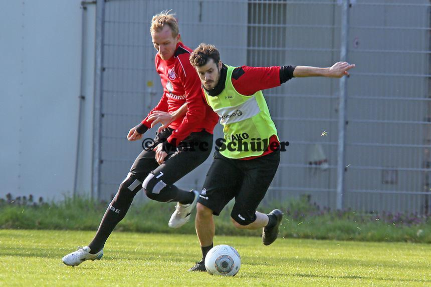 Tranquillo Barnetta (Eintracht) gegen Jan Rosenthal - Eintracht Frankfurt Training