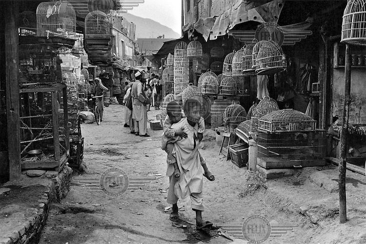 Ka Farushi birds bazaar in Kabul.