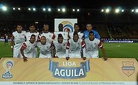 BOGOTÁ -COLOMBIA, 21-01-2015. Jugadores del Cortulua posan para una foto de grupo previo al encuentro entre Unión Magdalena y Cortulua por la fecha 3 de los cuadrangulares de ascenso Liga Aguila 2015 jugado en el estadio El Campín de la ciudad de Bogotá./ Players of Cortulua pose to a photo prior the match between Union Magdalena and Cortulua for the third date of the promotional quadrangular Aguila League 2015 played at El Campin stadium in Bogotá city. Photo: VizzorImage/ Gabriel Aponte / Staff