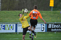 "VOETBAL: BALK: Voetbalcomplex ""de Wilgen"", 27-04-2013, KNVB 1ste Klasse E district Noord, VV Balk -VV Drachtster Boys, Einduitslag 1-2, Keeper Erwin Lootsma (#1 | Balk), Peter Jansen Klomp (#19 | DB), ©foto Martin de Jong"