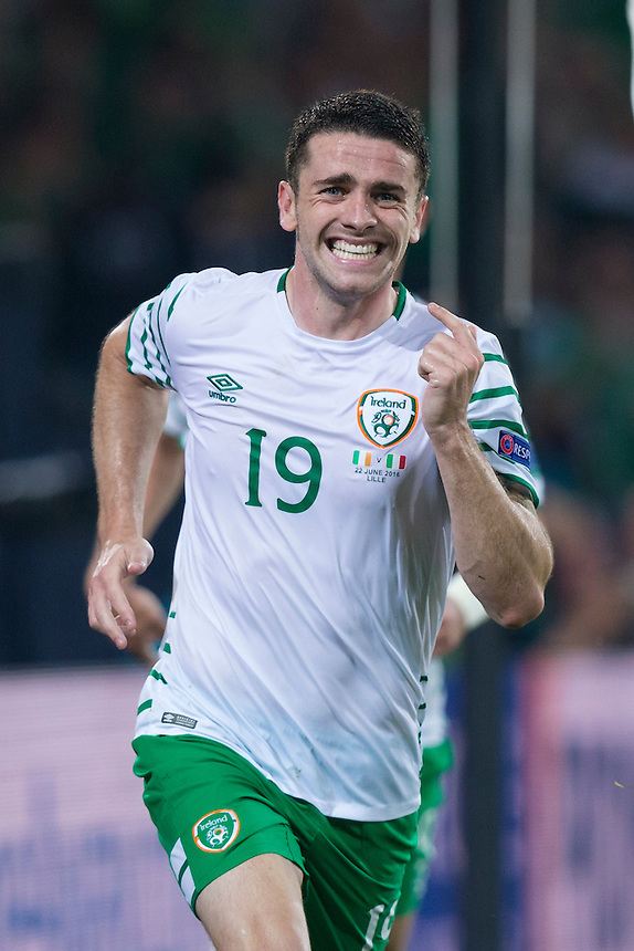 Republic of Ireland's Robbie Brady celebrates scoring the opening goal <br /> <br /> Photographer Craig Mercer/CameraSport<br /> <br /> International Football - 2016 UEFA European Championship - Group E - Italy v Republic of Ireland - Wednesday 22nd June 2016 - Stade Pierre-Mauroy, Lille<br /> <br /> World Copyright &copy; 2016 CameraSport. All rights reserved. 43 Linden Ave. Countesthorpe. Leicester. England. LE8 5PG - Tel: +44 (0) 116 277 4147 - admin@camerasport.com - www.camerasport.com