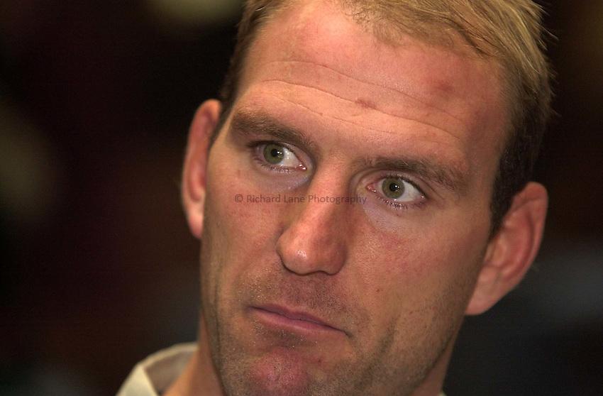 Photo. Richard Lane.England RFU Press Conference. 05-11-2002.Lawrence Dallaglio
