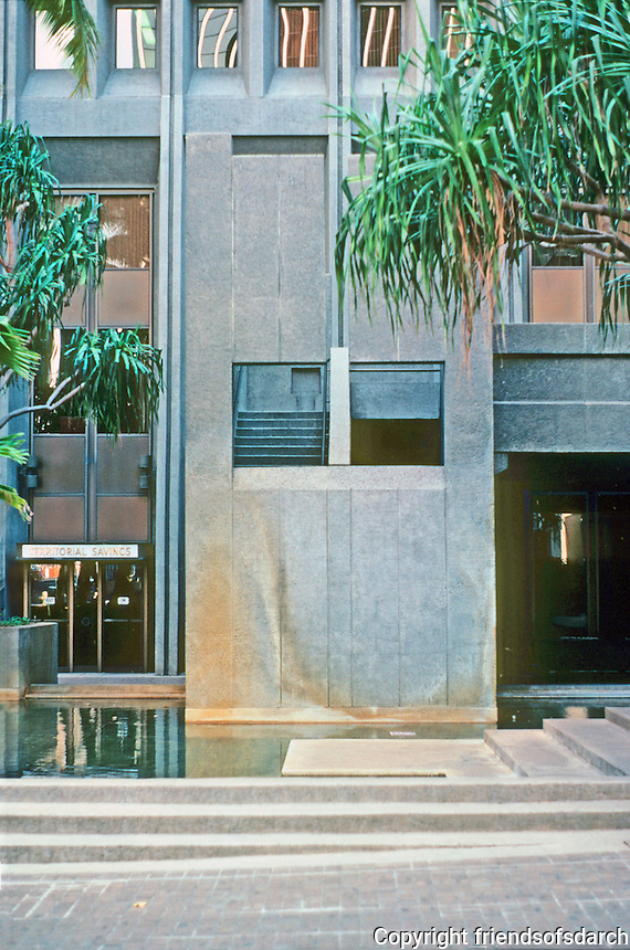 Honolulu: Financial Plaza--detail. Photo '82.