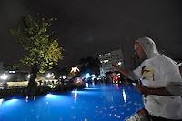 BARUERI, SP, 17 DE JULHO DE 2012 - INAUGURAÇÃO MEMORIAL 17 DE JULHO: Foi inaugurado na noite desta terça feira (17) o memorial 17 de Julho na Av. Washington Luis, em frente ao aeroporto de Congonhas. FOTO: LEVI BIANCO - BRAZIL PHOTO PRESS