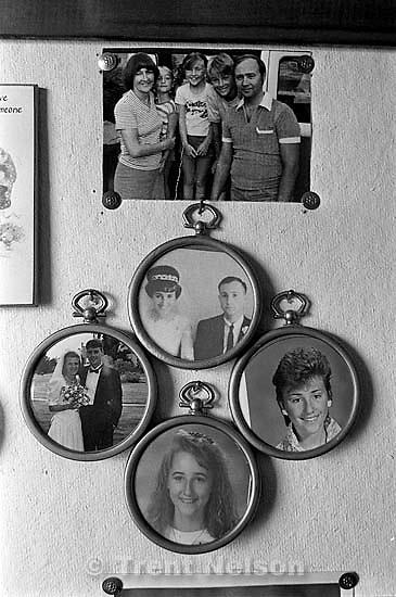 Nelson display at Betty Rae Watts' house. Trent Nelson, Phyllis Nelson, Steve Nelson, Christina Nelson, April Nelson, Laura Nelson<br />