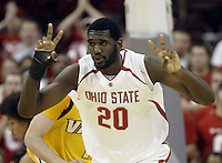 2 December 2006: Ohio State's Greg Oden signals his teammates during their game against Valparaiso at Value City Arena in Columbus, Ohio. Oden was the nation's top high school player for the past two years and made his college debut tonight after sitting out with a wrist injury.<br />