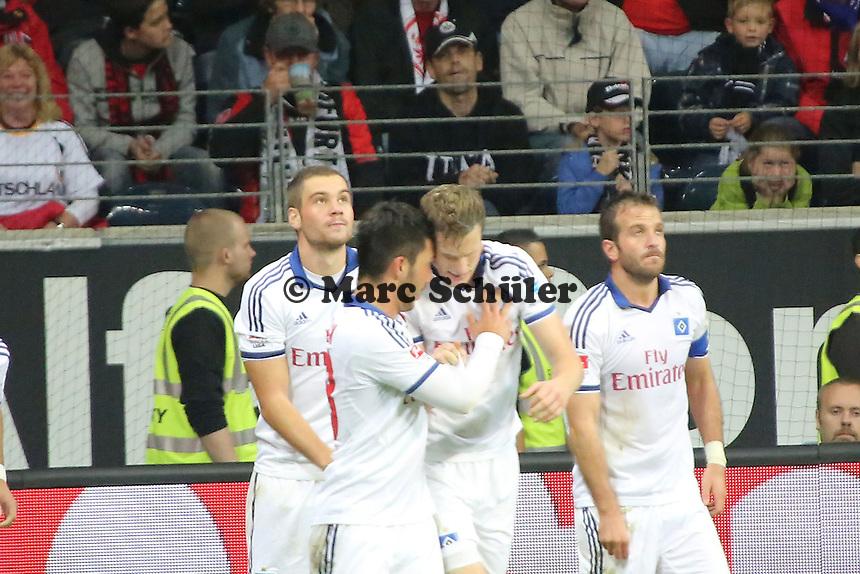 Torjubel beim 2:2 um Torschütze Marcell Jansen (HSV) - Eintracht Frankfurt vs. Hamburger SV, Commerzbank Arena