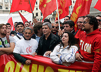 Manifestazione dei metalmeccanici della Fiom Cgil a Roma, 16 ottobre 2010, per il rinnovo del contratto. Al centro, il presidente della Regione Puglia Nichi Vendola..Italian Fiom Cgil main union's metal workers demonstrate in Rome, 16 october 2010, to ask for the renewal of their agreement..UPDATE IMAGES PRESS/Riccardo De Luca