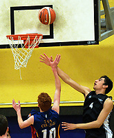 Action from the 2017 Zone 3 AA Secondary Schools basketball premierships boys match between Hutt Valley High School and Tawa Collegel at Arena Manawatu in Palmerston North, New Zealand on Friday, 8 September 2017. Photo: Dave Lintott / lintottphoto.co.nz