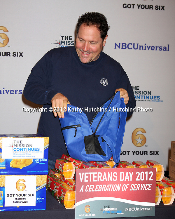 """LOS ANGELES - NOV 9:  Jon Favreau at the Veterans Day Service Event to feed LA Children sponsored by """"The Mission Continues"""" and """"Got Your 6"""" organizations. at Globe Theater at Universal Studios on November 9, 2012 in Los Angeles, CA"""