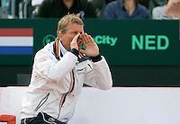 14-09-12, Netherlands, Amsterdam, Tennis, Daviscup Netherlands-Suiss, Dutch captain Jan Siemerink supports Robin Haase