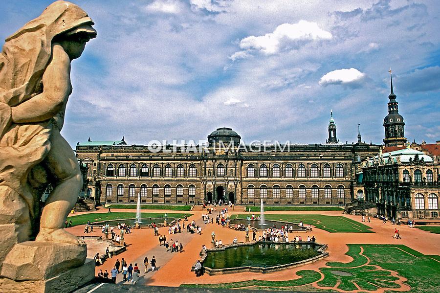Palácio em Dresden. Alemanha. 2002. Foto de Adri Felden.