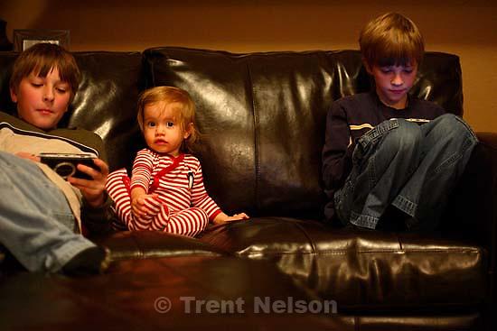 Noah Nelson, Nathaniel Nelson, Ava Rogers. San Ramon - family vacation; 12.27.2006<br />