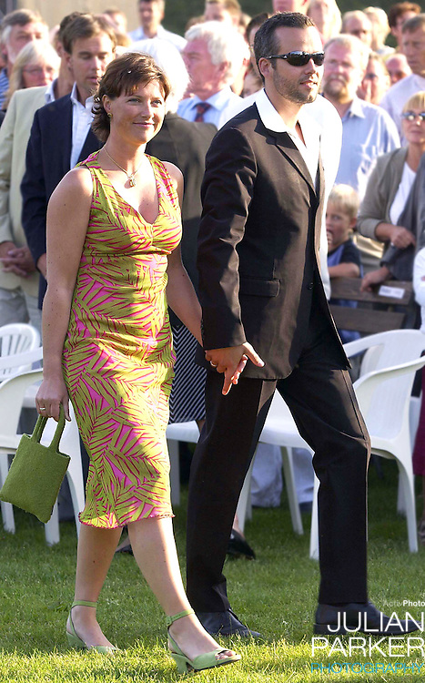 CONCERT IN BERGHOLM TO CELEBRATE CROWN PRINCESS VICTORIA.OF SWEDEN'S 25TH BIRTHDAY.  14/7/02 . PICTURE: UK PRESS  (ref 5105-27).PRINCESS MARTHA LOUISE AND ARI BEHN.