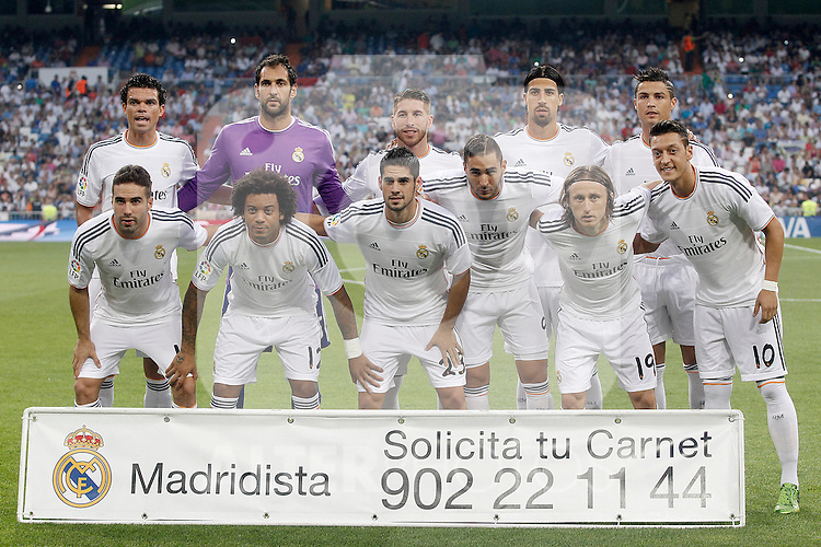 Real Madrid's team photo with Pepe, Diego Lopez, Sergio Ramos, Sami Khedira, Cristiano Ronaldo, Daniel Carvajal, Marcelo Vieira, Isco, Karim Benzema, Luka Modric and Mesut Ozil during La Liga match.August 18,2013. (ALTERPHOTOS/Acero)