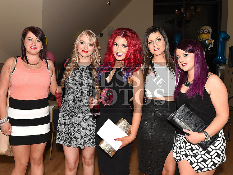 Laura Reilly celebrating her 21st birthday in the Thatch with friends Megan Martin, Louise Moore, Kelly Hammill and Lorna Walsh. Photo:Colin Bell/pressphotos.ie